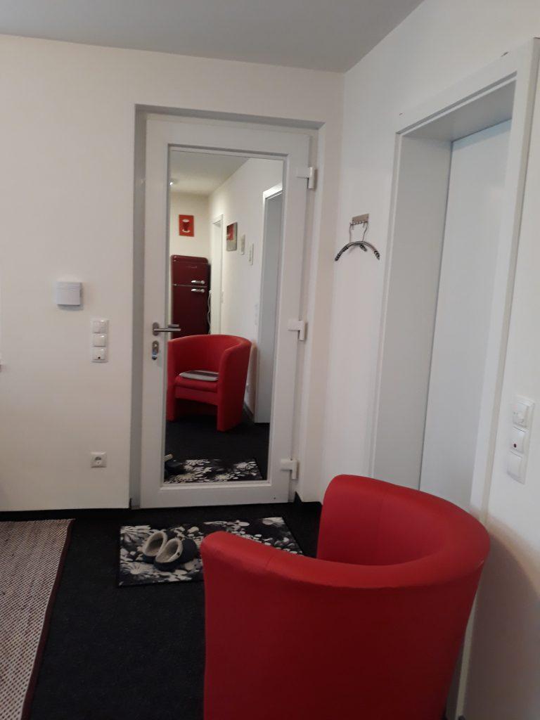 Eingang mit Spiegel